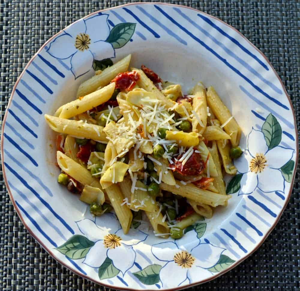 Creamy Penne with Artichokes, Sun Dried Tomatoes and Peas