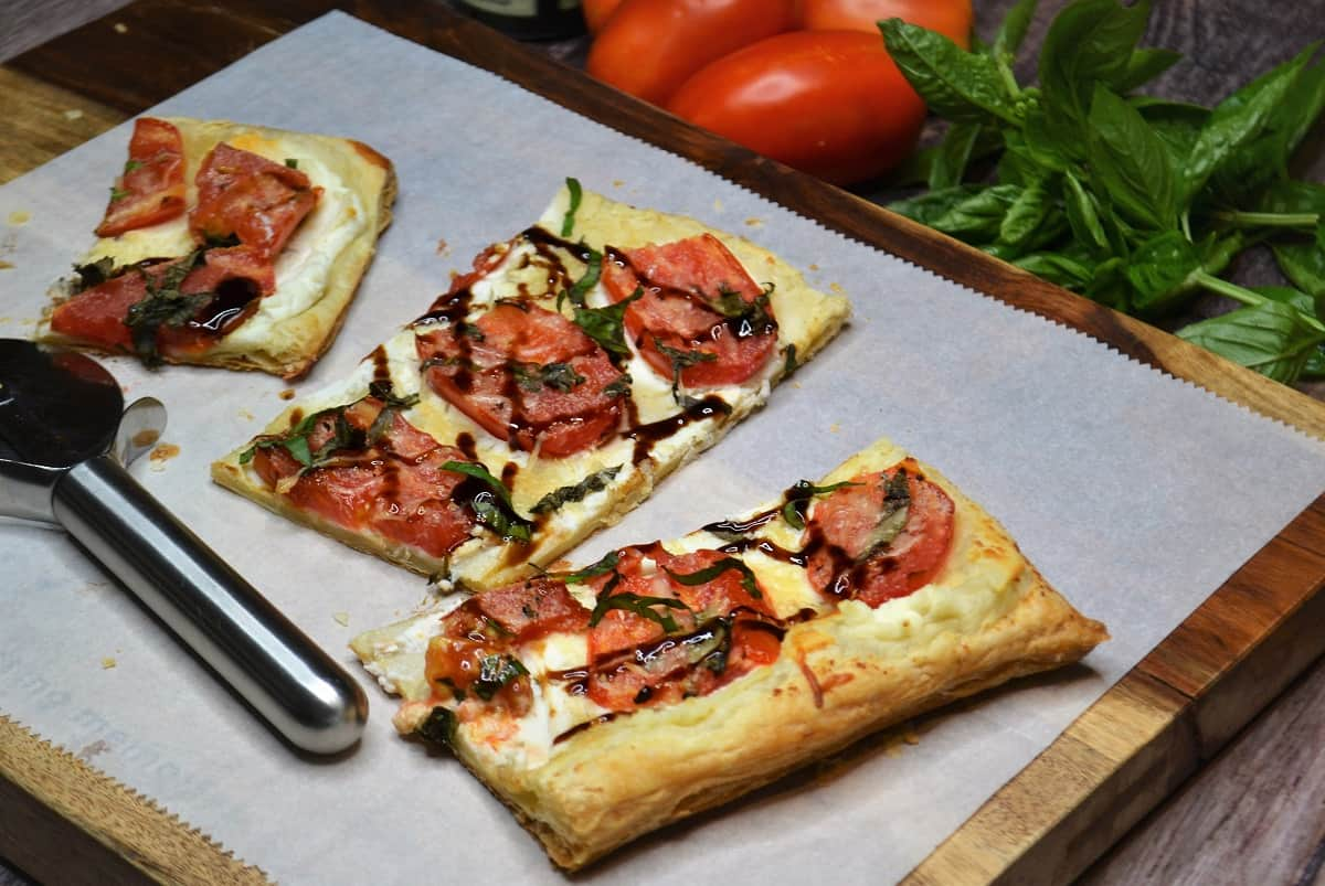 slices of tomato tart