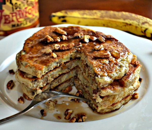 Whole Grain Banana Pecan Pancakes