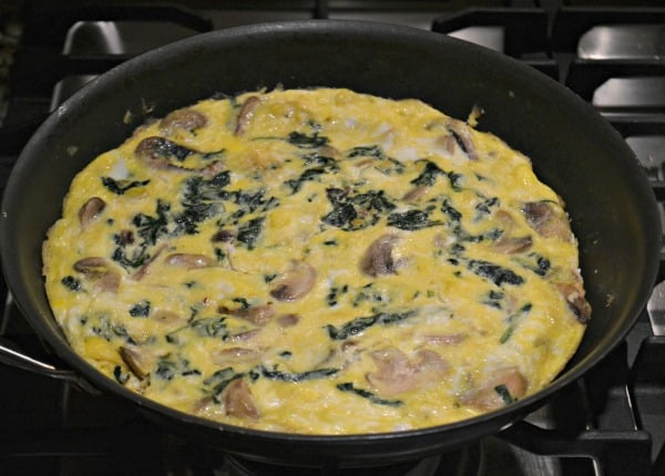 Spinach, Mushroom and Goat Cheese Frittata