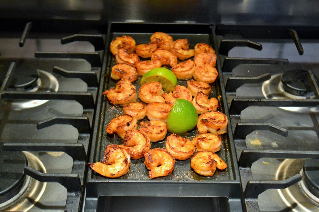 shrimp on the indoor grill with limes