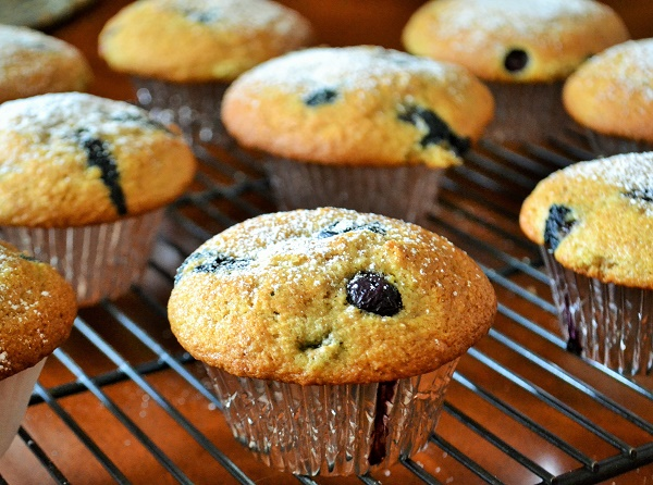 Quick blueberry muffins with crispy bakery tops