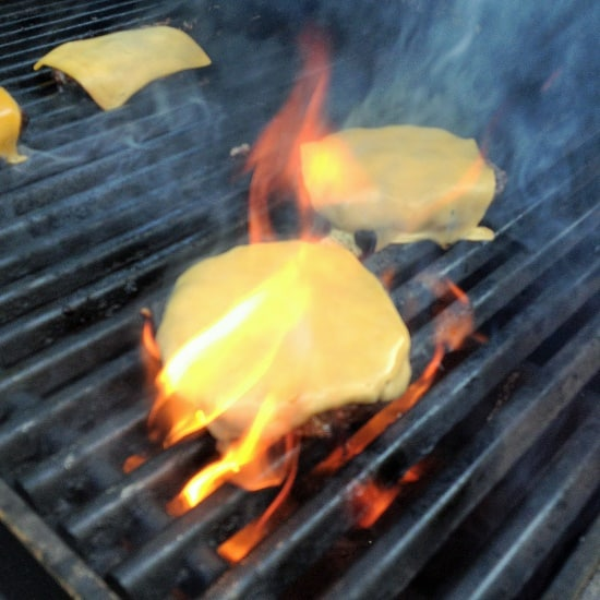 grilling the perfect cheese burgers