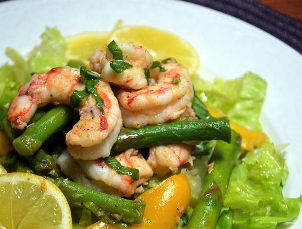 shrimp and asparagus salad with lemon vinaigrette