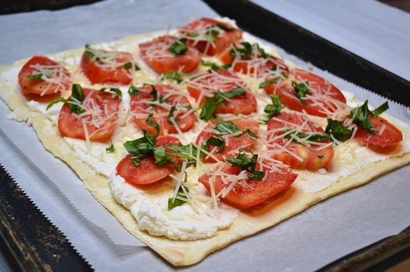uncooked tomato tart